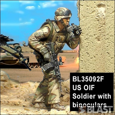 BL35092F - US OIF SOLDIER WITH BINOCULARS*