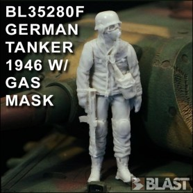 BL35280F - GERMAN TANKER 1946 W/ GAS MASK