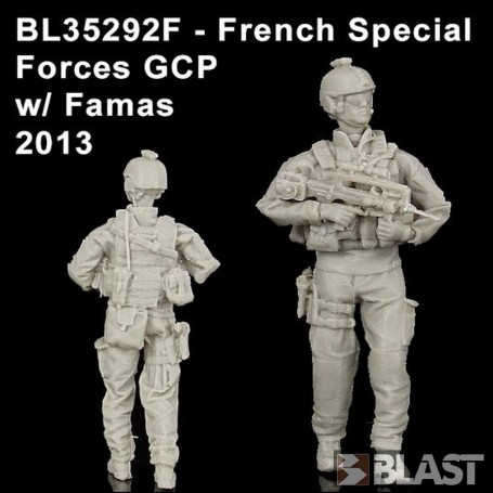 BL35292F - FRENCH SPECIAL FORCES GCP W/ FAMAS  - 2013