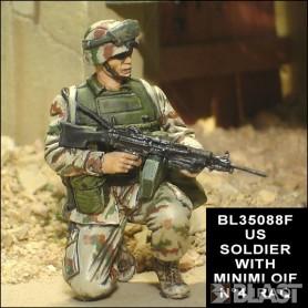 BL35088F - US SOLDIER WITH MINIMI OIF N4 IRAQ 2004*